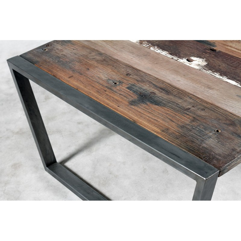 Originale table basse industrielle carr e en m tal et bois recycl - Table basse carree bois et fer forge ...