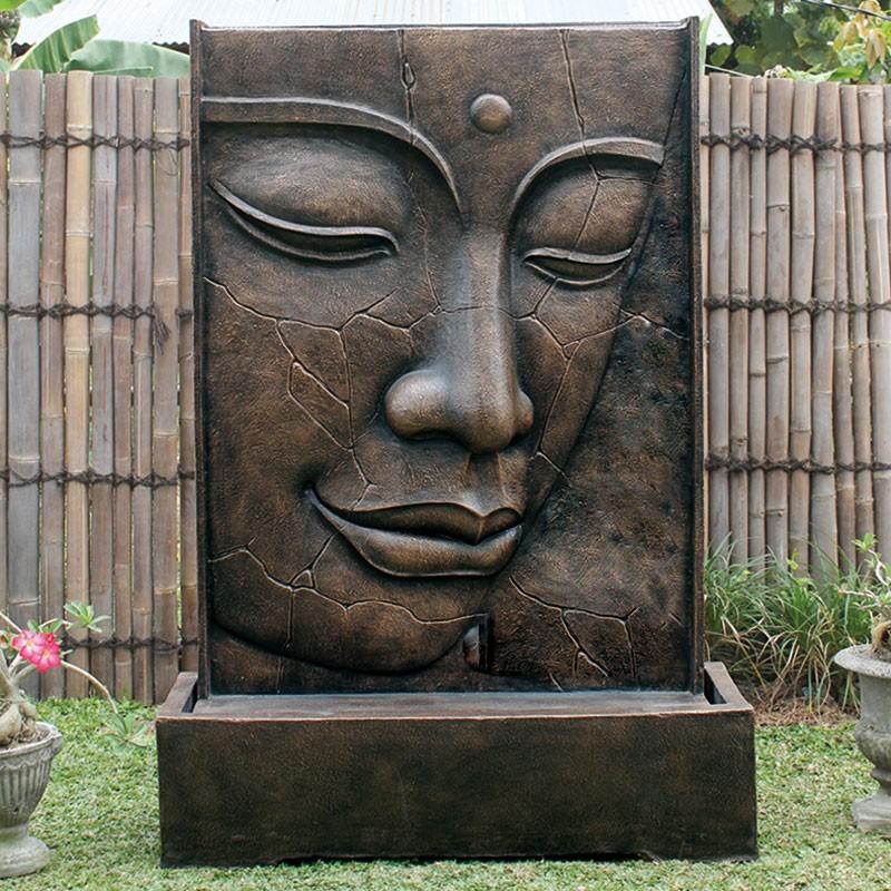 Fontaine Bouddha Exterieur magnifique fontaine face de bouddha craquelée