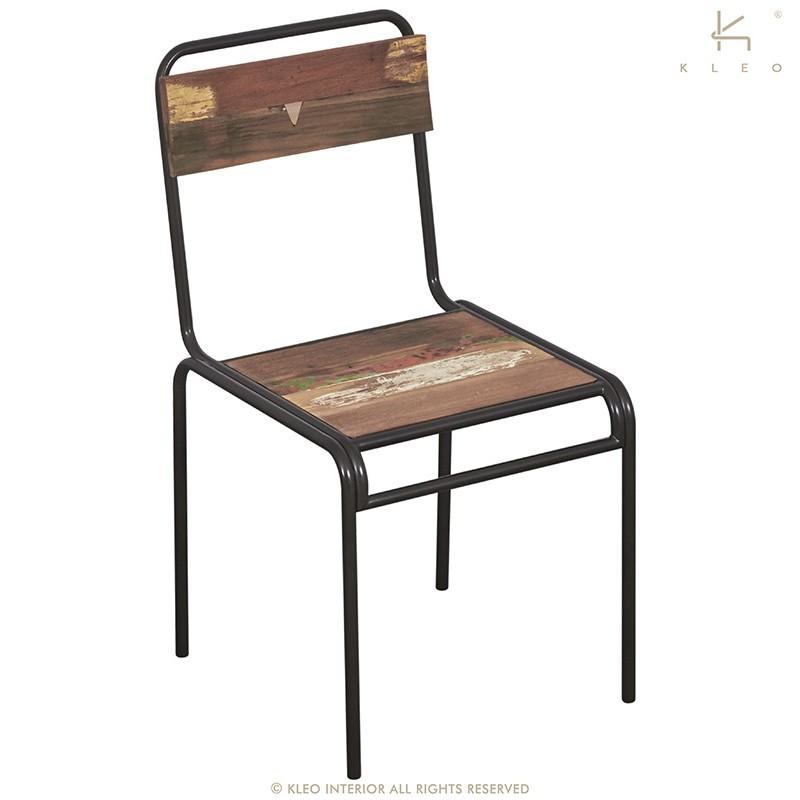 tr s tendance chaise urban fer et lattes de bois de bateau. Black Bedroom Furniture Sets. Home Design Ideas